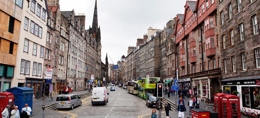 Nyári táborok Angliában, Skóciában: Londonban, Oxfordban, Edinburghben