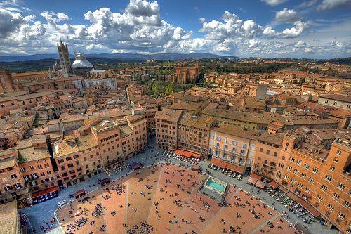 Nyelvtanulás Sienában